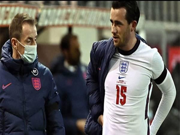 Henderson và Chilwell chấn thương trong trận thua của ĐT Anh