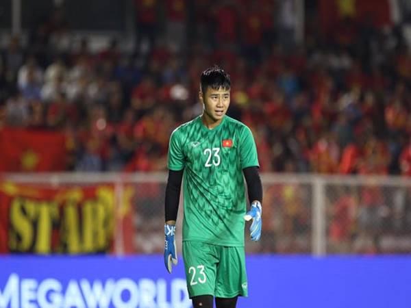 Văn Toản thi đấu đầy nỗ lực trong trận gặp ĐTQG Việt Nam.