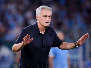 Bóng đá quốc tế sáng 1/10: Roma thắng trận, Mourinho tranh thủ đá xoáy Lazio